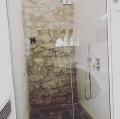 doccia in pietra lavica