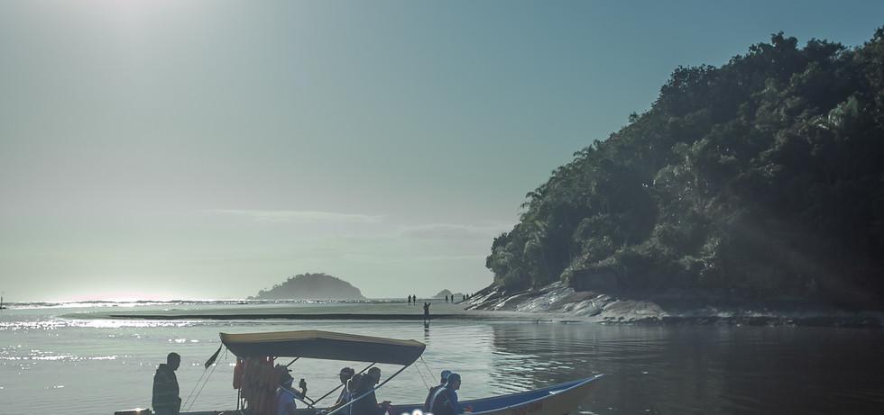 praias_guarau_christian_corrêa.jpg