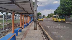 Terminal provisório no Milton Gavetti