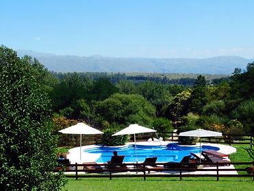 piscina paisaje.jpg