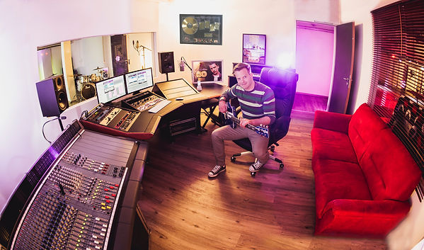 Purple Box Studios mit Martin - Simon Sc