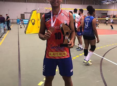 Equipe de voleibol de Senador Canedo é destaque
