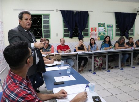 Câmara de Vereadores: Projeto Parlamento Jovem.