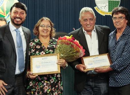 Vereador Luiz da Saúde homenageia empresários.