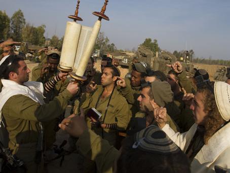 Milagres militares: Israel vence sozinho ataque de 23 países árabes em superioridade de 9 para 1.
