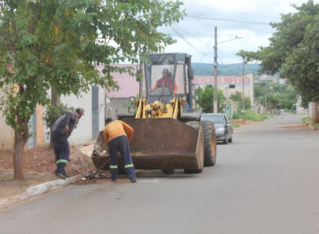 Senador Canedo [Infraestrutura]: serviços urbanos são realizados em 5 bairros nesta quinta-feira.