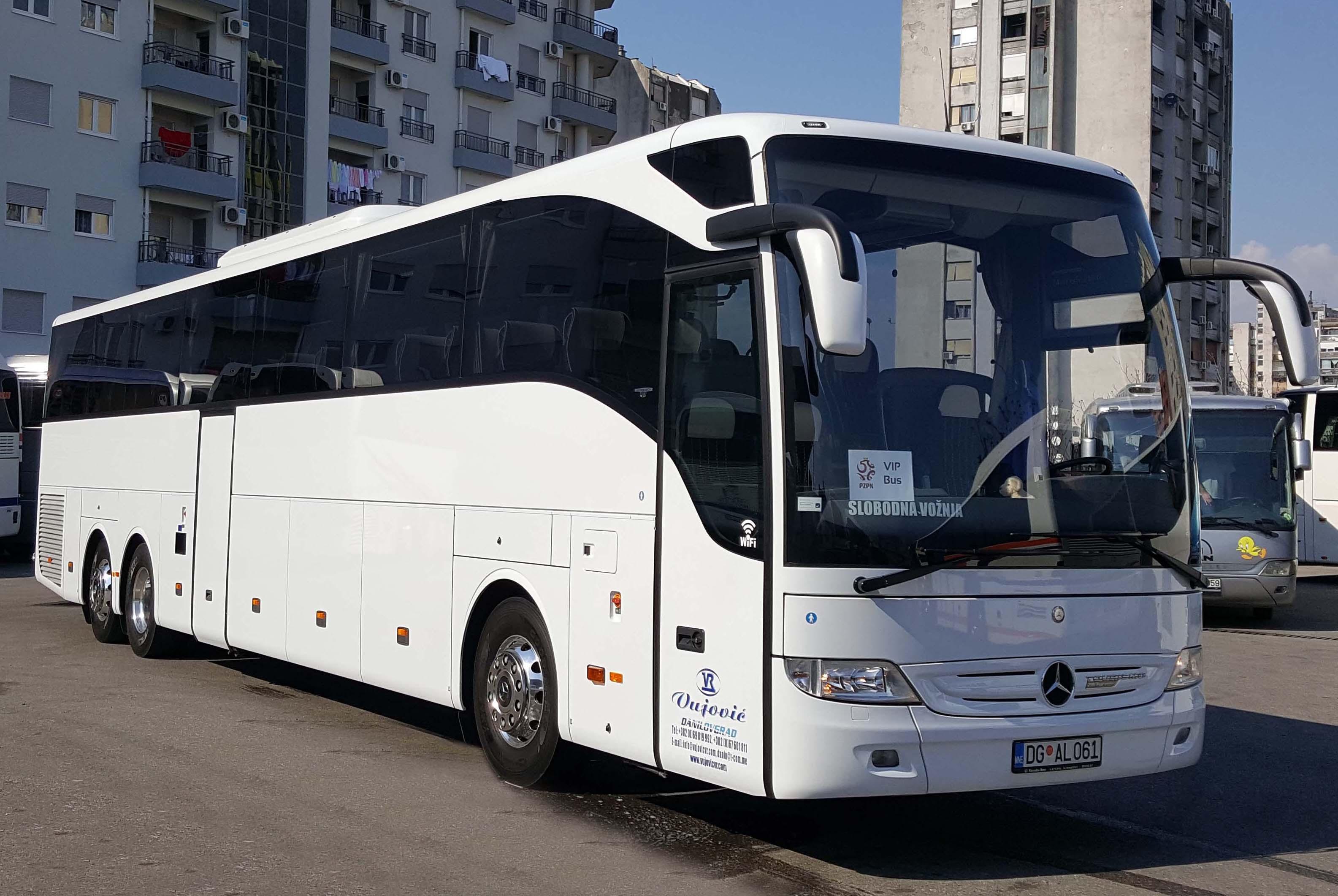 VIP BUS MERCEDES (1)