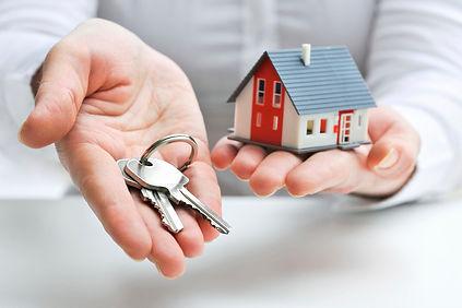 house_keys_hands-9d56cb.jpg