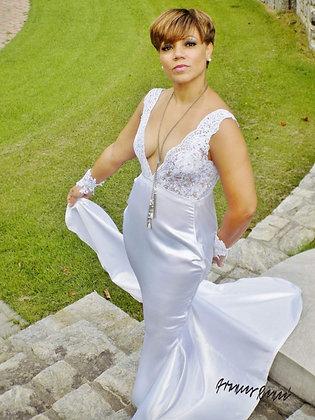 V-front/V-Back zipper butt Wedding Gown
