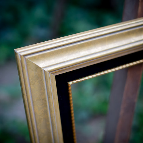 8x10 gold frame with black