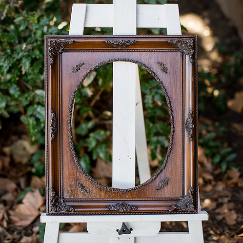11x14 ornate frame with oval inlay