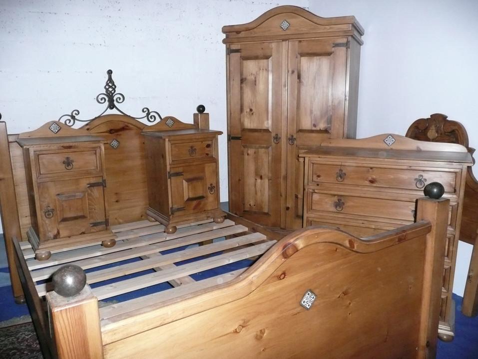 mexican-stlye-bedroom-suite.JPG