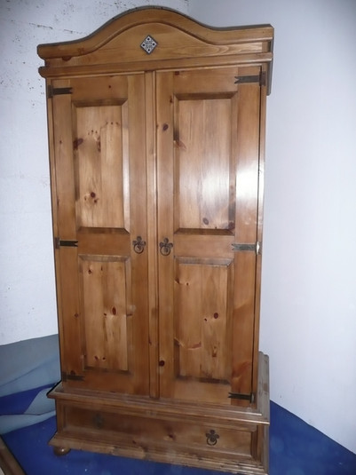 mexican-style-cupboard.small.JPG
