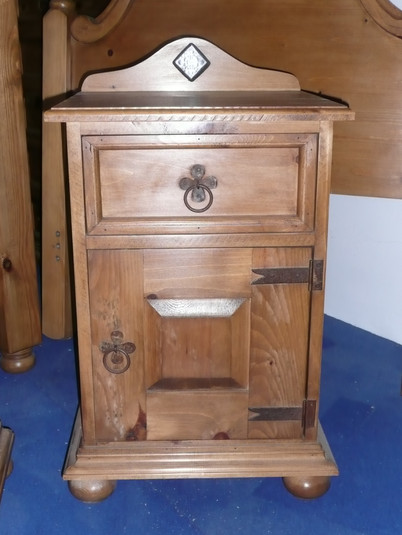 mexican-style-bedside-cabinet.JPG