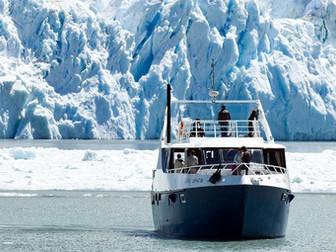 Navegando por el Lago Argentino