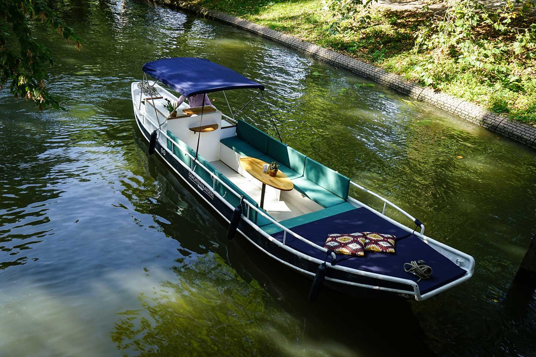 Bbq Boot Utrecht.Grachtenvaarders Bbq Boot Utrecht