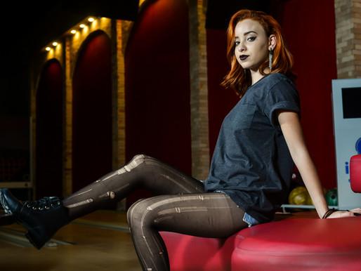 Rock Moderno e casual: looks despojados e ousados no Boliche