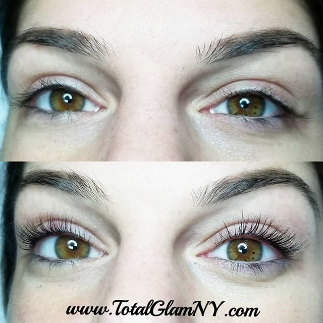 This beauty is holiday ready with the lash lift & tint 👀🎄_._._._._._._._._