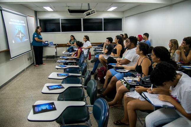 Projeto Mantas do Brasil apresenta palestra no Centro Universitário FAESA.