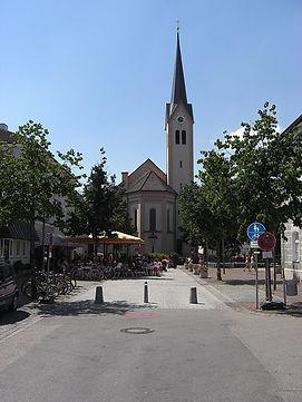 810px-Kirche_Kolbermoor_Stadtmitte_Heili