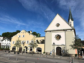 640px-Stadtmitte_Bad_Aibling_mit_Schloss