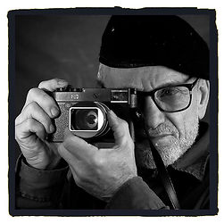 Freelance photographer Peter Kovacsy with a Leica M10 monochrom