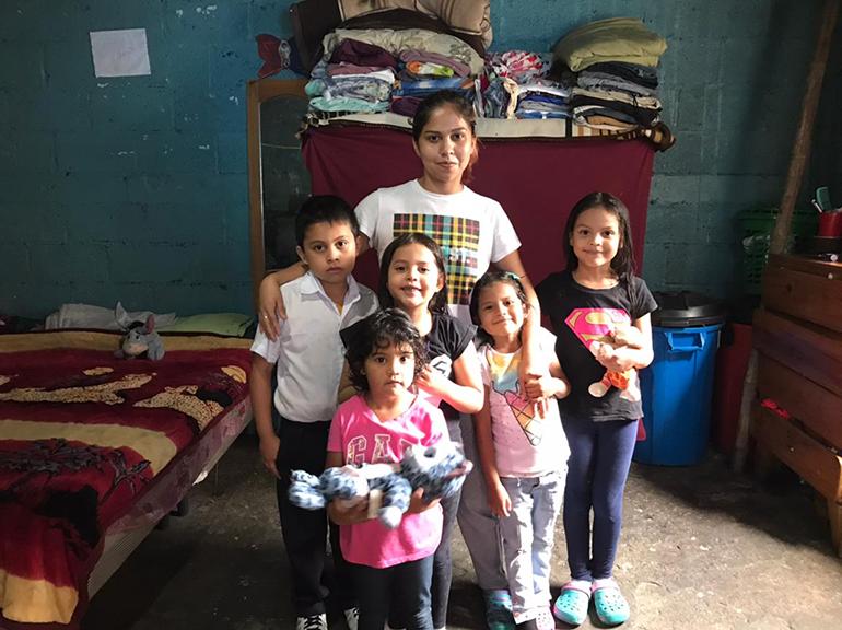 Nuestra Sagrada Familia colabora con Familias zona 5
