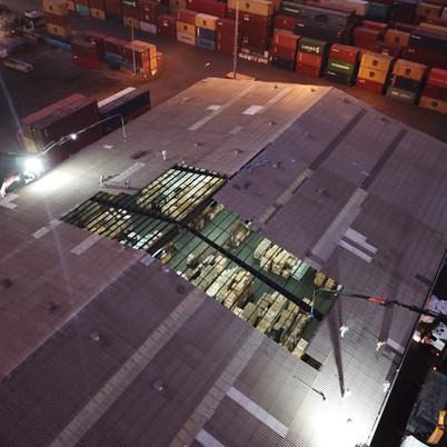 פירוק גג אסבסט בלילה לצמצום פגיעה בעבודה