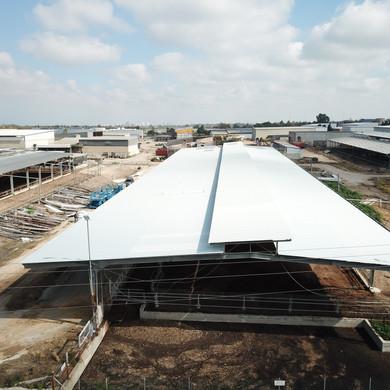 גג חדש לרפת