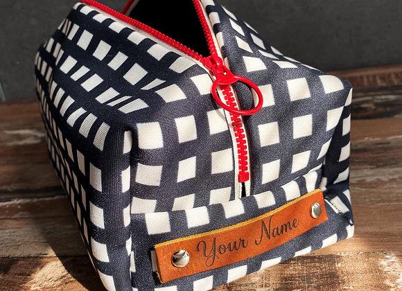 Personalized Dopp Kit, pouf, Travel Dopp Kit,  Women's T