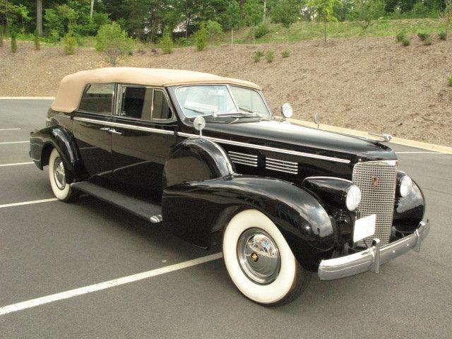 1938 Cadillac V8 Convertible Sedan