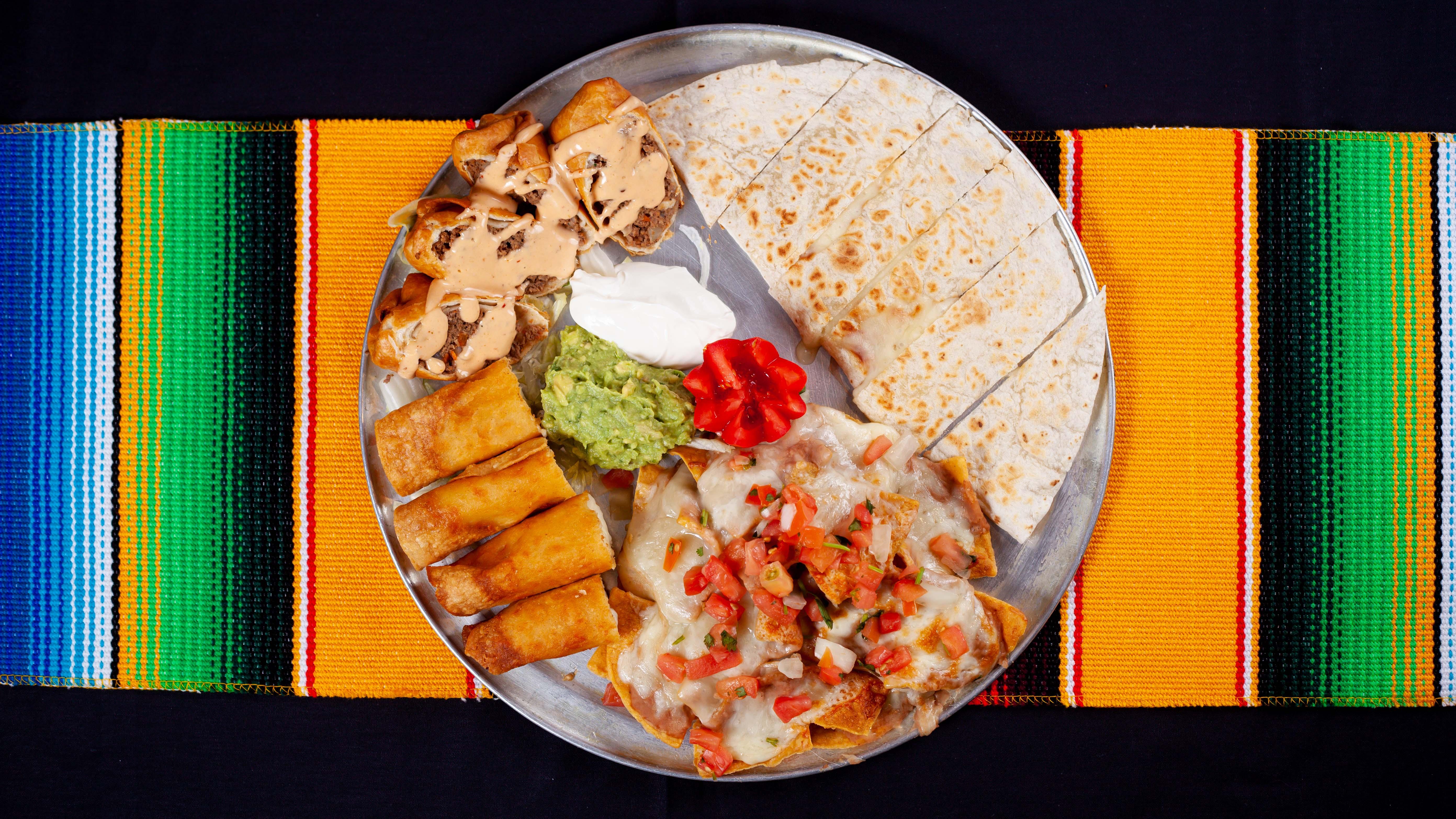 Las_Guitarras_Restaurant_Fiesta_Platter_