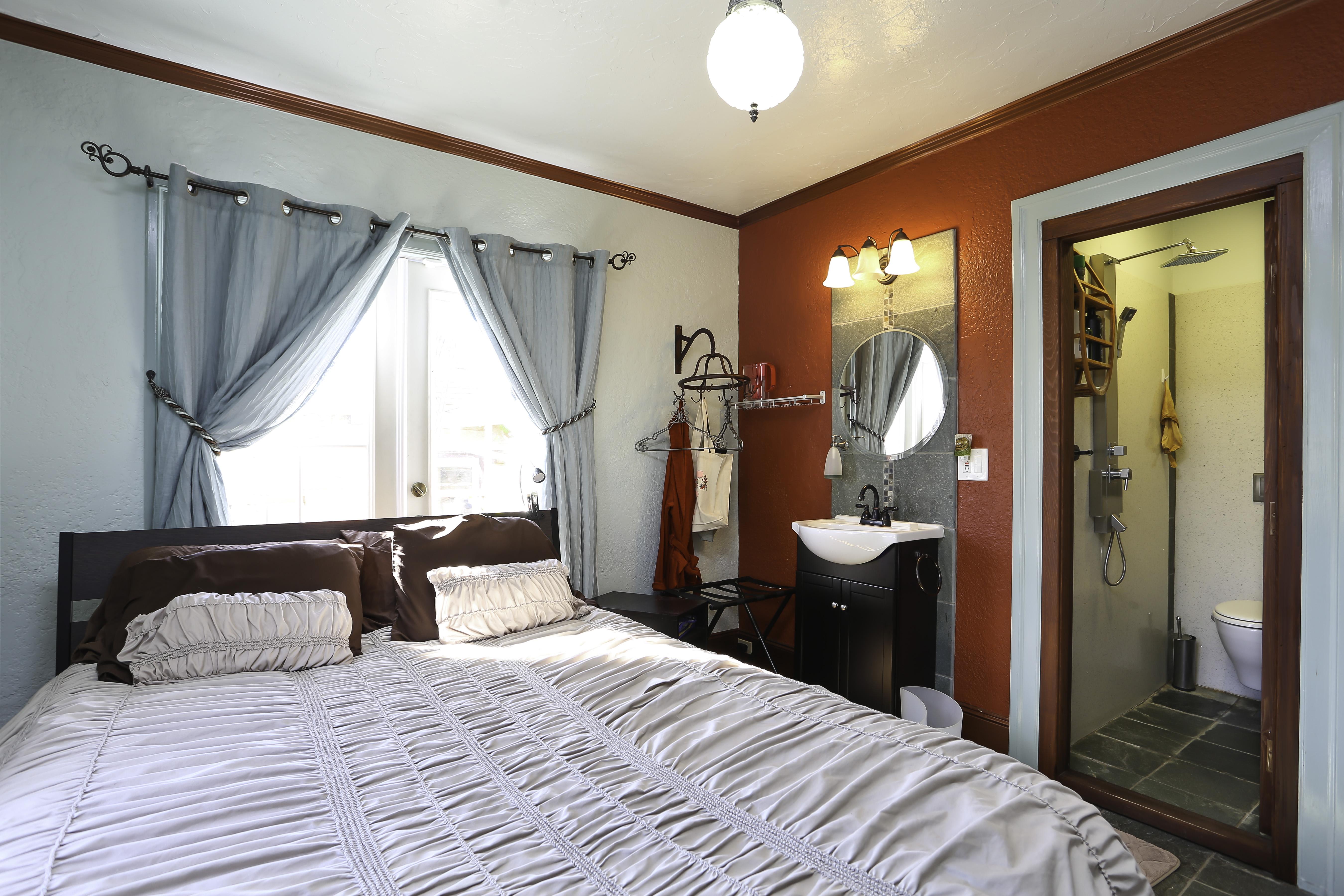 Bed Interior 1