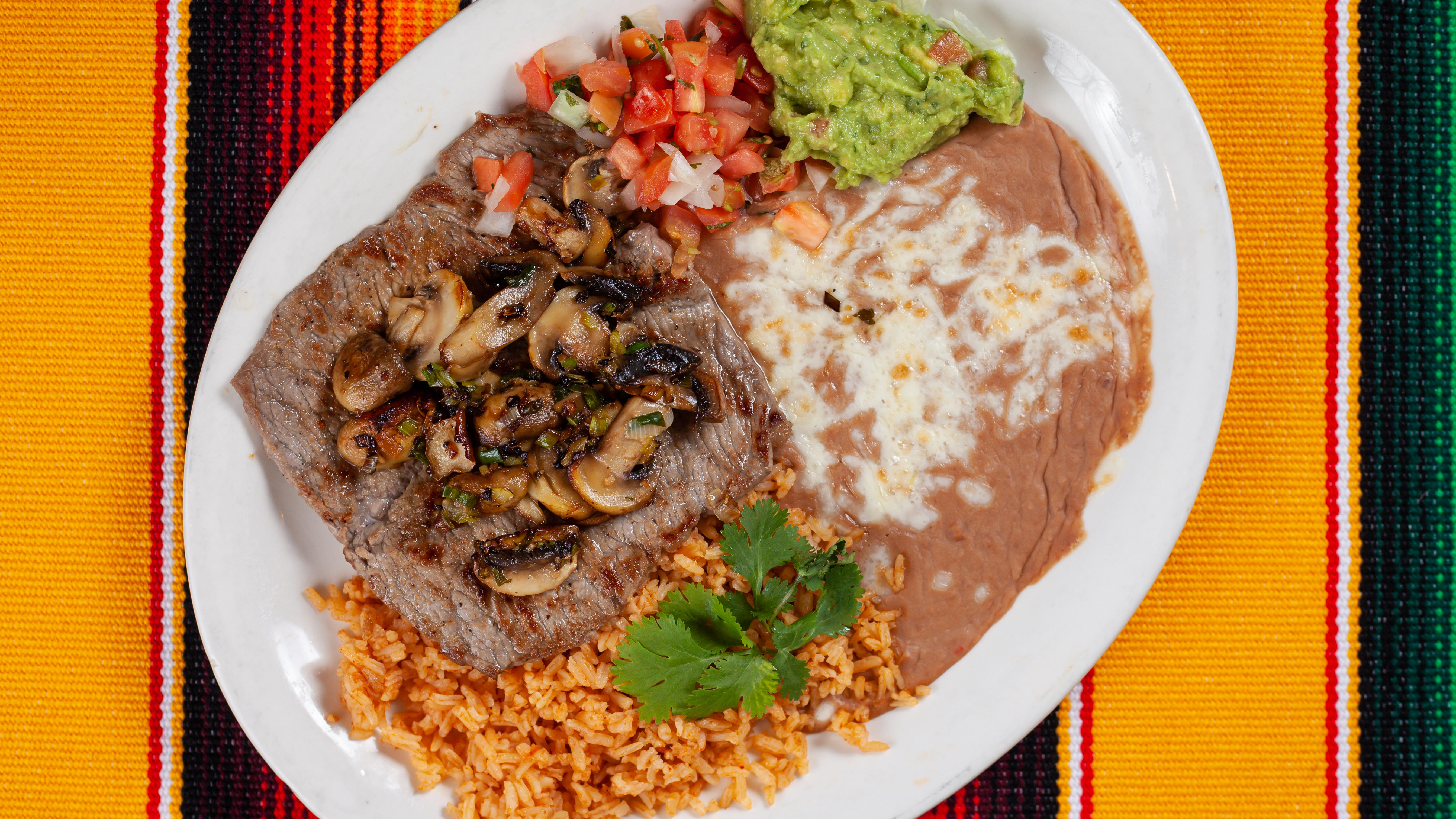Las_Guitarras_Restaurant_Mama's_Special_