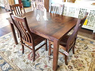 Sheffield Amish Dining Table