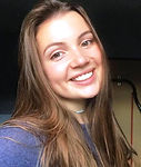 Danielle Oliver headshot3.jpg