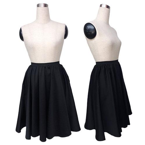 חצאית קלוש שחורה עם כיסים