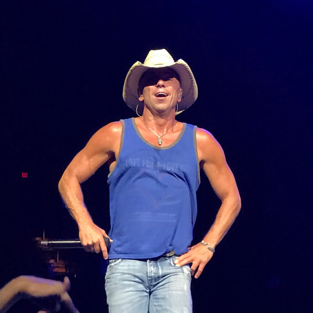 Review: It's Always Summertime with Kenny Chesney