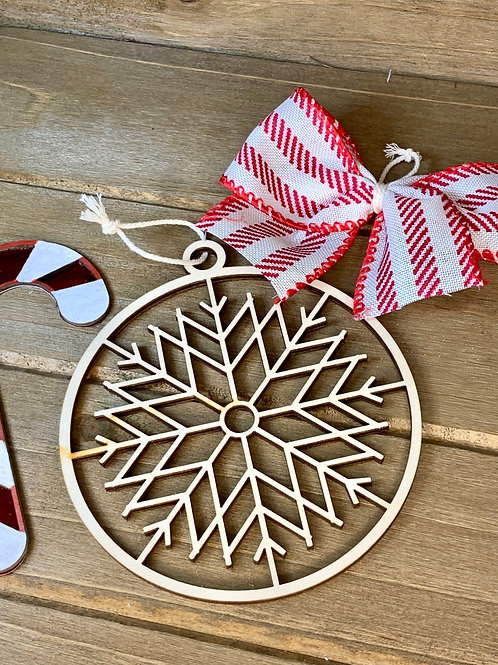 Snowflake Christmas Ornament / Wood Ornament / Farmhouse Christmas Ornament