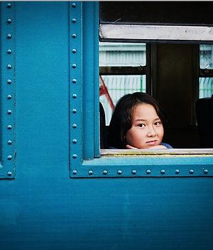 Claudio Lobo - Photography, photographer in Brazil People pessoas gente OCA Paulista Metro Sao Paulo Piscina CPTM criança child freira