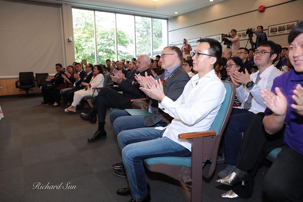 张馨元主持2019中华传统文化节 第11届温哥华泼水节新闻发布会