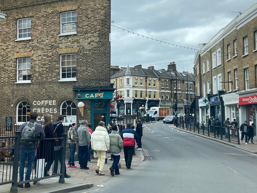 High street shoppers on busy high street