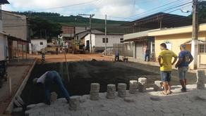 Assentamento de bloquetes é iniciado na AV JK em Realeza