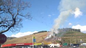 Incêndio próximo a represa em Realeza