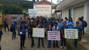 Estudantes, professores e profissionais da saúde se unem contra as drogas em Santo Amaro