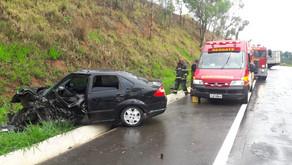 Chuva provoca acidente na reta de São Pedro do Avaí
