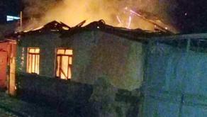 Incêndio destrói casa em Santana do Manhuaçu