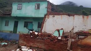 Vendaval destrói casas e tomba carro na zona rural de Manhuaçu