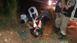 Polícia Militar prende dupla após roubo a mão armada a motociclista