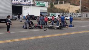 Duas motocicletas colidem de frente na Ponte da Aldeia